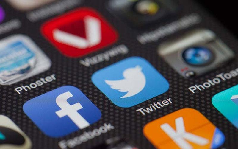 Facebook y Twitter siguen siendo los principales sitios de redes sociales donde la gente recibe noticias